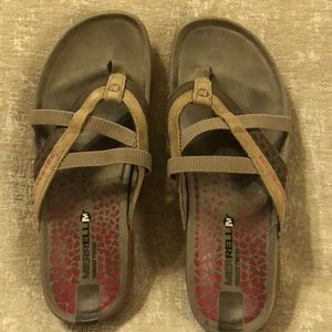 Merrell Sandals ——excellent condition